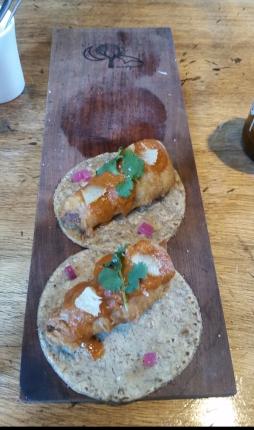 tacos de tuetano, jitomate tours, romero y azahar